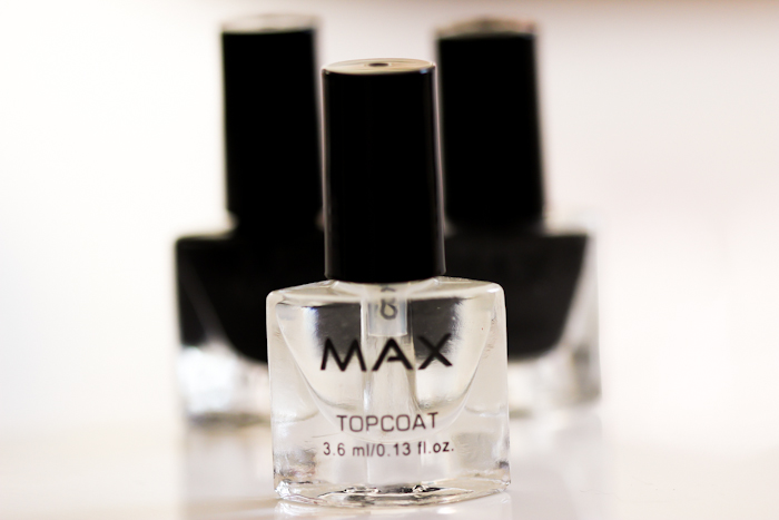 action_max_caviar_nails_review_swatch-7974