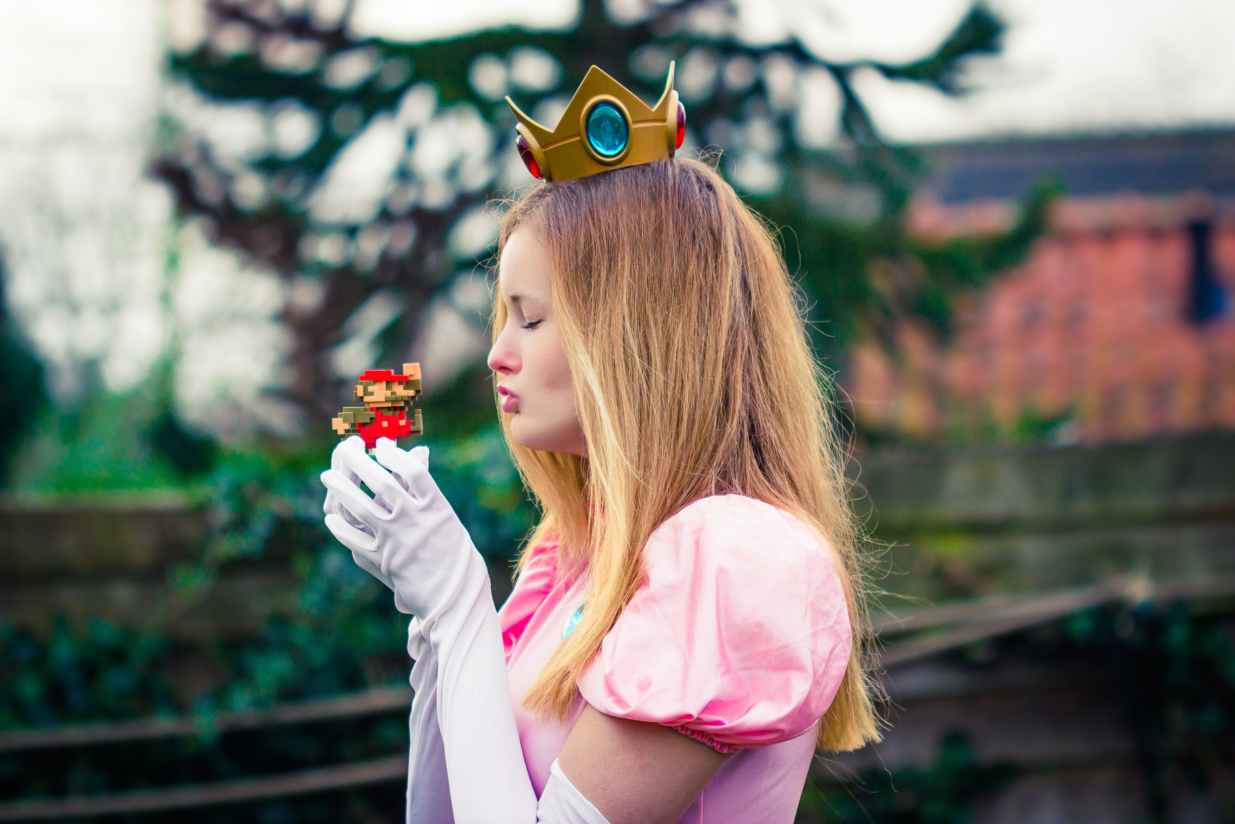 Princess Peach Photoshoot - Creative